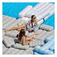 canapé gonflable piscine coussin gonflable piscine pigro felice zendart design