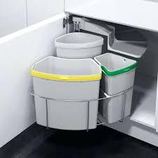 poubelle de cuisine sous evier poubelle pour meuble de cuisine les 25 meilleures idaces de la