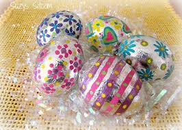 Decorating Easter Eggs Glitter by Decorate Easter Eggs With Office Supplies The Officezilla Blog