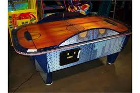 used coin operated air hockey table air hockey table sam fast track i c e item is in used condition