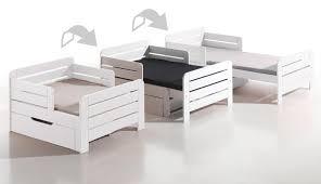 chambre evolutive bébé choisir un lit bébé comment choisir un lit enfant