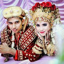 indonesian brides viralitytoday how traditional marriage outfits look around the