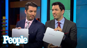 Drew And Jonathan Property Brothers Drew And Jonathan Scott Quiz Each Other People