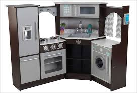 jouer a cuisiner cuisine d angle en bois jouet cuisine kidkraft bois naturel et jaune