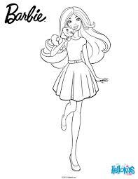barbie dans une jolie tenue avec sa belle jupe son petit chat