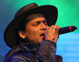 Zubeen Garg S Top Five Controversies In His Life জ ব ন - ulfa objects to hindi song by zubeen garg music indiawest com