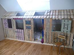 comment faire une cabane dans sa chambre top 30 des meubles de palettes pour votre chambre à coucher