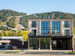 the pulse of jackson hole town square luxury vrbo