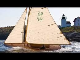 brilliant small sailboat designs u2013 herreshoff 12 5 beetle cat
