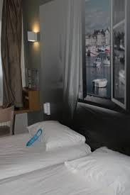 trompe l oeil chambre chambre au rdc avec un trompe l oeil en déco photo de b b hotel