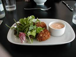 must try crab cakes at these seattle spots where to eat guide