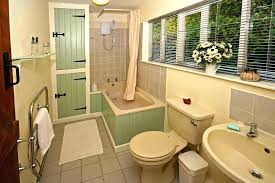 cottage bathroom ideas cottage bathroom ideas best small cottage bathrooms ideas on small