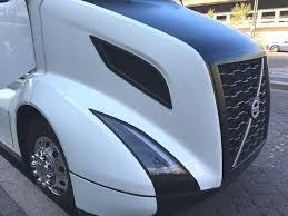 the shape of trucks to come volvo trucks unveiled new vnl series volvo shows off supertruck entry to energy secretary ernest moniz
