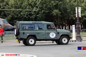 sas land rover french durisotti land rover defender 110 vigipirate at the 14