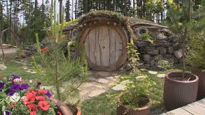 Hobbit Hole Washington by Is It Middle Earth Or Port Orchard King5 Com