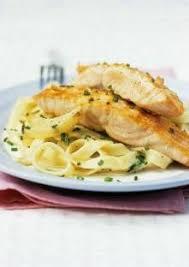 cuisiner pavé saumon pavés de saumon aux tagliatelles fraîches