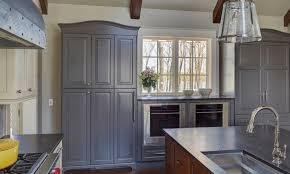 grey kitchen walls with light wood cabinets 32 stylish ways to work with gray kitchen cabinets