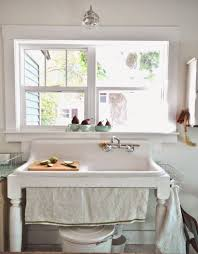 Kitchen Sink Frame by Best 20 Vintage Farmhouse Sink Ideas On Pinterest Vintage