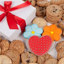 cookie gifts fortunes daisies hearts signature cookie gift box 24