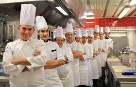 equipe de cuisine le parc à hippolyte à la table de jérôme jaegle