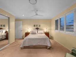 6 flame tree crescent carindale qld 4152 for sale