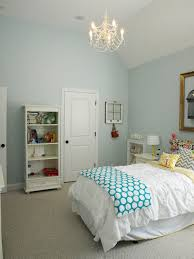 wall paint color sherwin williams tradewind at 75 bed was