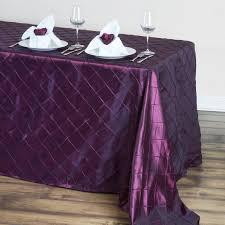 90 x 132 burgundy taffeta pintuck tablecloths for catering