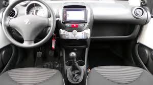 peugeot 107 peugeot 107 1 0 active navigatie radio airco youtube