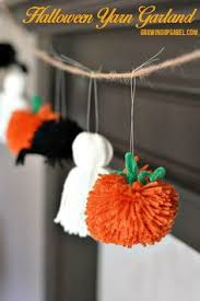 Halloween Craft Kids - 22 easy fall crafts for kids to make banisters fireplace mantel