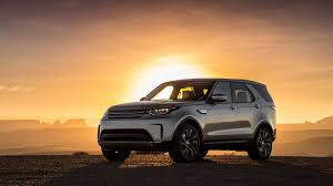 discovery land rover 2017 2017 land rover discovery hse luxury review an suv that gets