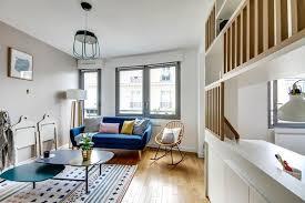 canapé bleu marine bleu marine foncé la couleur qui booste la déco côté maison