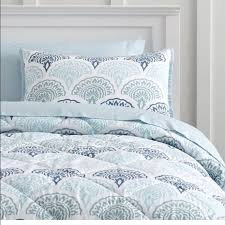 Pottery Barn Comforter 46 Off Potterybarn Teen Other Feather Scallop Comforter From