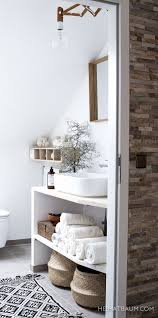 Small Bathroom Organizing Ideas by Best 25 Small Bathroom Inspiration Ideas On Pinterest Small