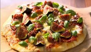 lorraine cuisine food recipes prosciutto mozzarella and fig pizza