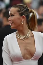 Diamond Chandelier Necklace Diamond Chandelier Necklace Looks Stylebistro