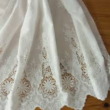 1 yd vintage style embroidery cotton eyelet lace fabric off white