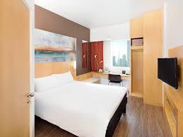 hotel in dubai ibis one central near downtown dubai