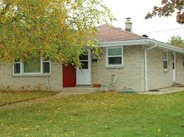 3 Bedroom Single Family Homes For Rent In Milwaukee Bay View Milwaukee Single Family Homes For Sale 59 Homes Zillow