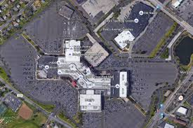 montgomery mall map witness mistakes cell phone for gun at montgomery county