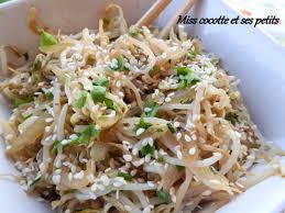 cuisiner les germes de soja pousses de soja en persillade le de miss cocotte et ses
