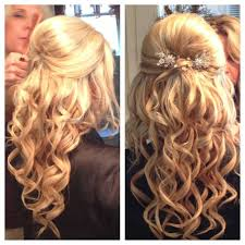 hair styles for a young looking 63 year old woman best 25 hairstyles for medium length ideas on pinterest medium