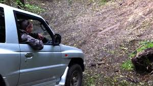 mitsubishi pajero 3 5 v6 off roading up muddy slope youtube