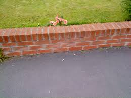 brick garden wall bricklaying job in glasgow lanarkshire