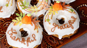 how to decorate thanksgiving themed doughnuts with royal icing