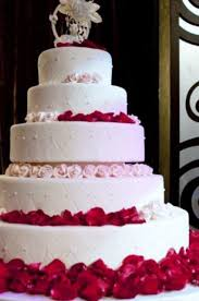 round wedding cakes with red roses buttercream wedding cakes