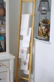 how to make a farmhouse style woode ladder for photo display
