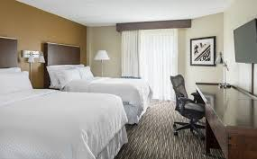 buffalo grove accommodations club floor queen guest room four