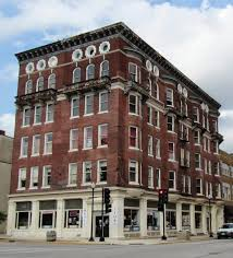 hartyharhar june 2017 eighth and washington is still vacant sadly the price just got dropped i know the realtor and she is awesome it would make a great space for a specialty