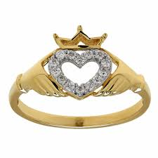 claddagh rings meaning more about claddagh ring