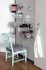Small Vanity Table Small Roomdecor Ideas Vanities Tables Small Room Makeup